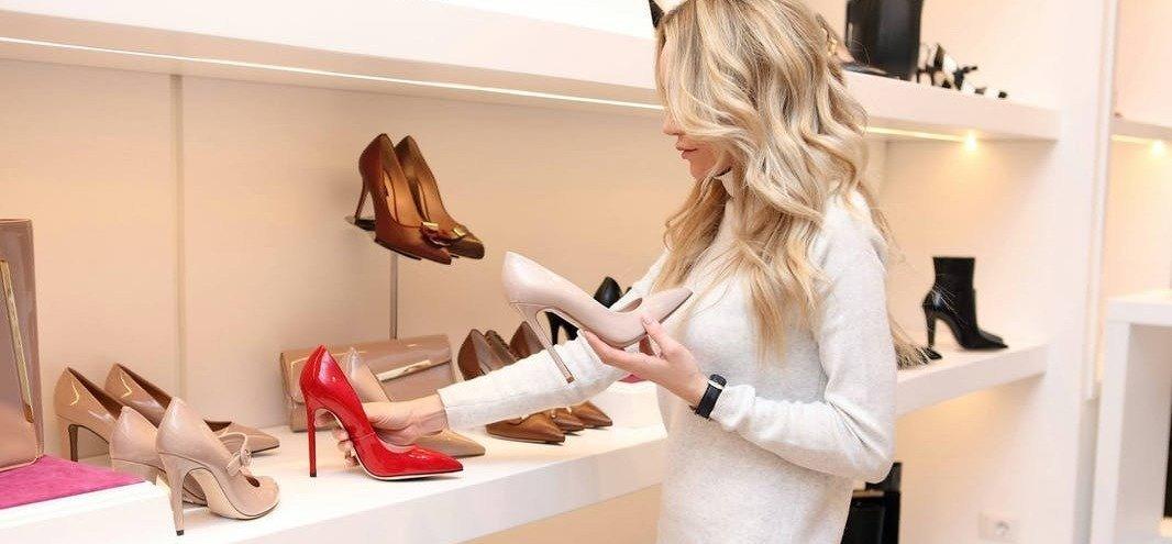 Как познакомиться с девушкой продавщицей-консультантом фото 2