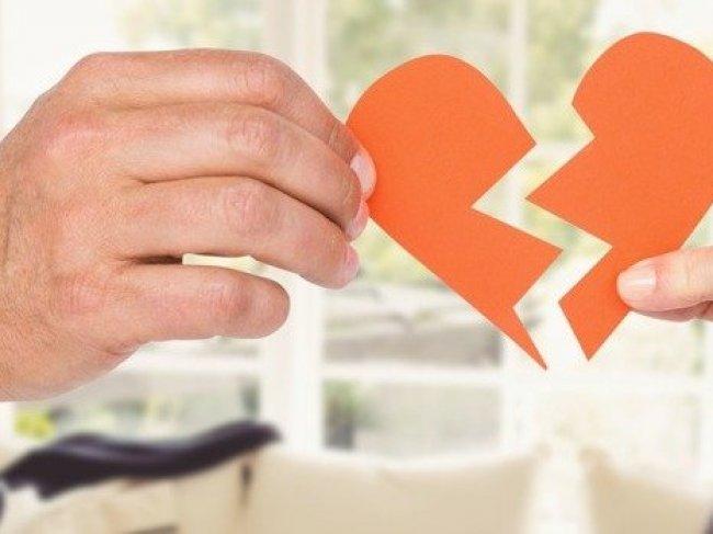 5 признаков того, что ваши отношения окончены фото