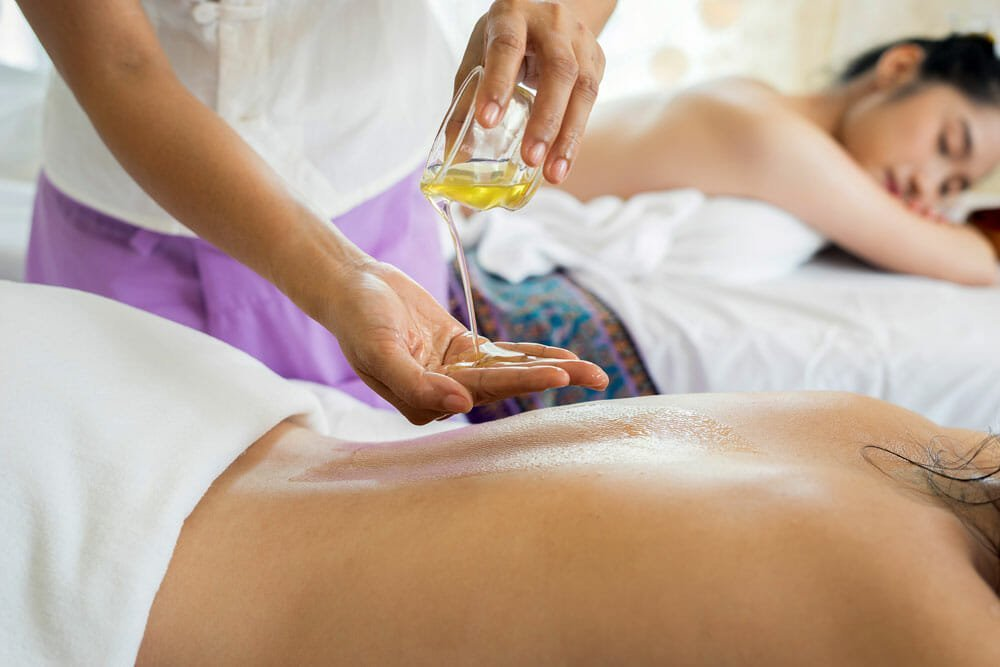 Пошаговая инструкция, как сделать эротический массаж девушке. 5 правил подготовки к незабываемому сексу фото 5