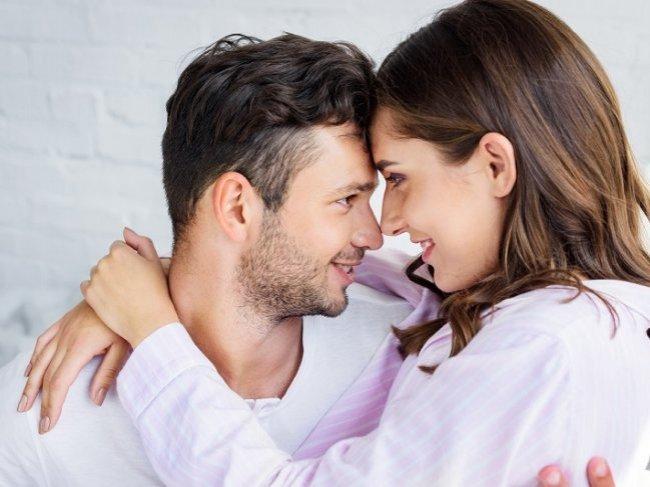 Хочешь, чтобы девушка всегда была в тебя влюблена? 6 советов, как вернуть в отношения огонь фото
