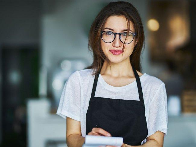 Как познакомиться с официанткой? фото