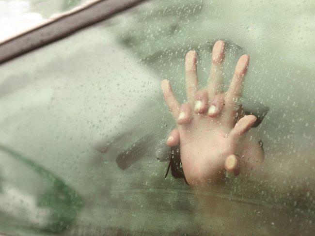 Секс в машине. 5 самых удобных позиций для оргазма в авто фото