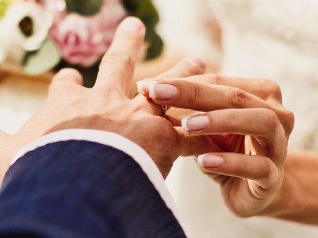 Стоит ли жениться или нет? фото