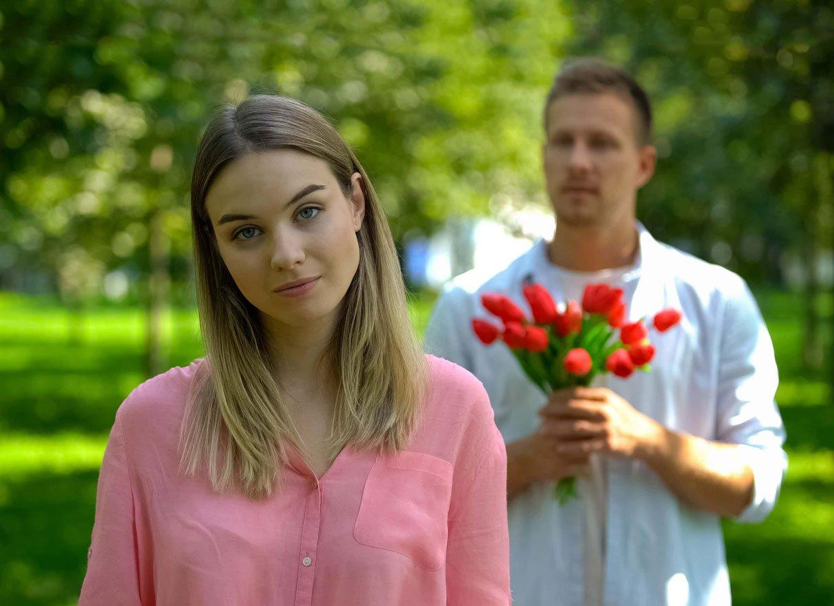 что любят трогать женщины у мужчин после знакомства видео